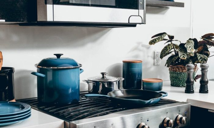 Best Cookware For Airbnb